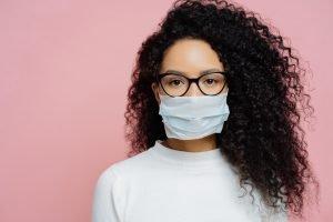 Wenn die Brille beschlägt - Tipps zur Maskenpflicht